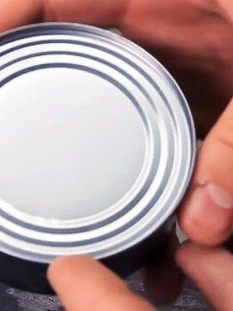 Otwieranie puszki konserwowej