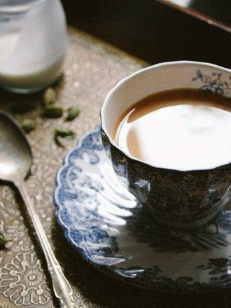 Jak zrobić herbatę imbirowo - kardamonową?