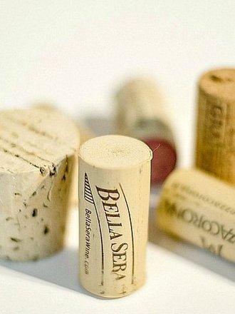 Korki z wina