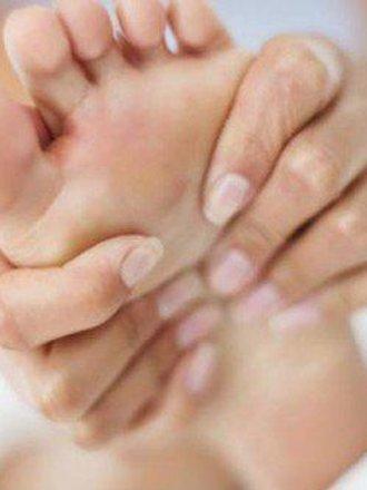 Domowy sposób na zmęczone i obolałe stopy