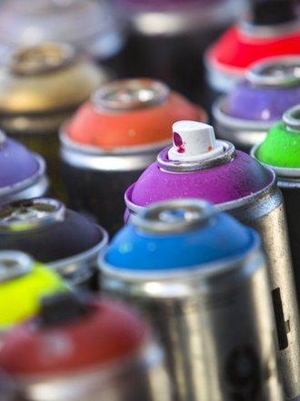 farba w sprayu