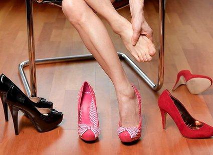 Jak radzić sobie z ciasnymi butami?