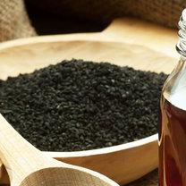 olej z czarnuszki działanie