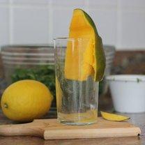 mango obieranie szklanka