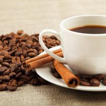 kawa z cynmonem