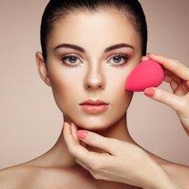 ukrywanie niedoskonałości makijażem