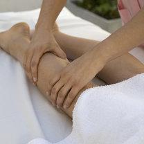 masaż łagodzi urazy