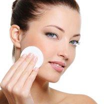 Wszyscy myją  twarz, aby utrzymać ją  wolną od brudu, kurzu i innych cząstek. W rzeczywistości mycie...