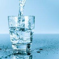 Woda to jeden z najważniejszych produktów dla naszego życia. Bez wody, człowiek może wytrzymać jedynie...