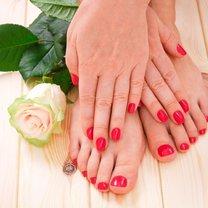 Miewasz czasami zimne dłonie i stopy? To może być objaw poważnych schorzeń i problemów zdrowotnych...