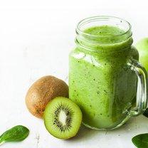 Kiwi - charakterystyczny włochaty owoc, zawierający pod skórką pyszny miąższ - nie tylko stanowi...