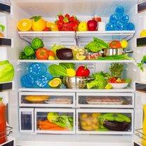 Sposób, w jaki przechowujesz żywność w lodówce, ma bezpośredni wpływ na to, jaki zapach z niej...