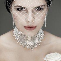 Biżuteria ślubna od wieków uznawana jest za jeden z najważniejszych elementów garderoby panny młodej...