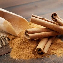 Odrobina aromatycznego cynamonu może wyjątkowo wzbogacić smak naszej ulubionej mięsnej potrawy, deseru...