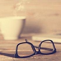Często używasz do czyszczenia okularów gorącej wody, chusteczek higienicznych albo nawilżających...