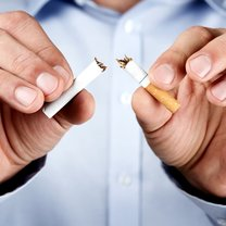 Palenie papierosów to wciąż jeden z najczęstszych nałogów, który nierzadko jest przyczyną raka...