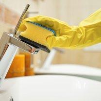 Chcesz szybko i skutecznie pozbyć się nieefektownych zabrudzeń, które psują wygląd twojej łazienki?...