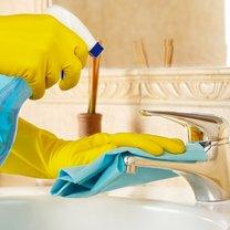 Chcesz, aby twoja łazienka lśniła czystością bez zastosowania grama chemii? Nic prostszego! Podpowiemy...