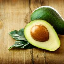 <b> Pestka awokado: Zdrowsza od owocu? </b>  Awokado posiada wiele właściwości leczniczych – obniża...