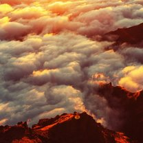 Piękne, sunące po niebie i cieszące nasze oko białe obłoczki to chmury. Od najmłodszych lat fascynują...