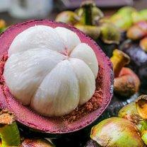 Mangostan wyróżnia spośród innych owoców nietuzinkowy wygląd i niepowtarzalny smak. Legenda głosi...