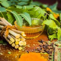 Olej z drzewa neem to prawdziwa bomba witamin i bioaktywnych substancji mających zbawienny wpływ na...