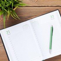 Kalendarze oparte na następujących po sobie kolejno dniach i regularnie powtarzających się zjawiskach...
