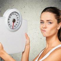 Jesz mniej, stosujesz różnorodne diety i odmawiasz sobie słodyczy, ale nie możesz schudnąć? To częsty...