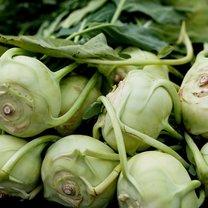 Kalarepa to jedno z najzdrowszych warzyw. Korzystnie wpływa na układ krążenia, chroni przed anemią...