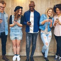 Obecnie trudno jest wyobrazić sobie codzienne życie bez telefonu komórkowego. Dzięki niemu jesteśmy...