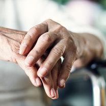 Drżenie rąk to częste zjawisko, które dotyka wiele osób bez względu na wiek. Może być spowodowane...