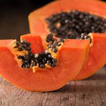 Papaja to jeden z najzdrowszych owoców świata – wspomaga leczenie infekcji układu moczowego, wrzodów...