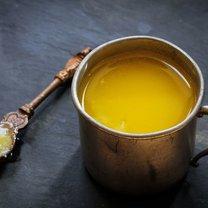 Masło klarowane największą popularność zyskało w Azji, ale świetnie sprawdza się w przygotowywaniu...