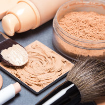 Niektórych kosmetyków i akcesoriów nie powinno się pożyczać nawet najbliższej przyjaciółce czy...