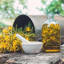 Olej z dziurawca, nazywany też oliwą świętojańską, to jedna z najcenniejszych naturalnych substancji...
