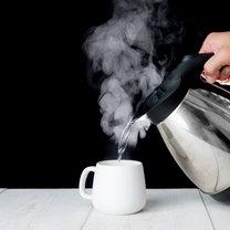 Chyba nie ma gospodarstwa domowego, w którym nie znajduje się czajnik. Nie ważne, czy używasz elektrycznego...