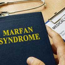 Zespół Marfana to genetyczna choroba tkanki łącznej, która objawia się w specyficzny, na pierwszy...