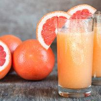 Grejpfrut to tropikalny owoc, który jest skarbnicą witamin, minerałów i przeciwutleniaczy zwalczających...