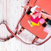 Każda kobieta ma w swojej garderobie przynajmniej jedną torebkę. To niezbędny dodatek, który dopełnia...